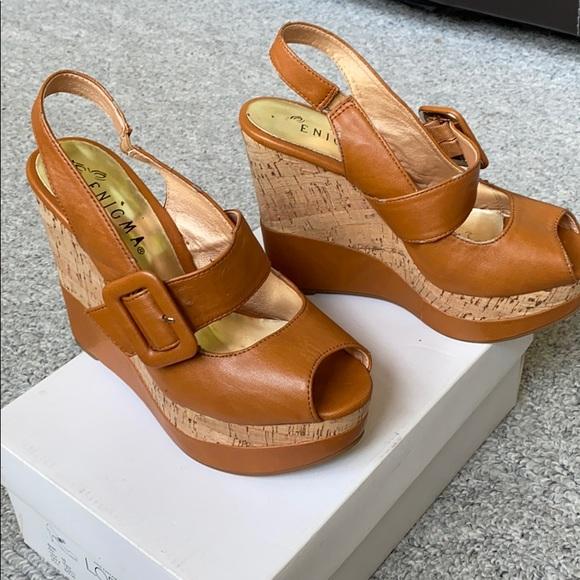 Enigma shoes
